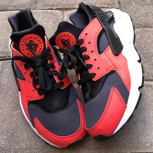 "Nike Huarache ""Max Orange"""